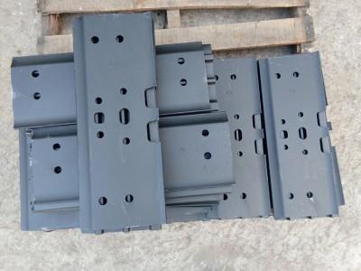PC120-6 链板