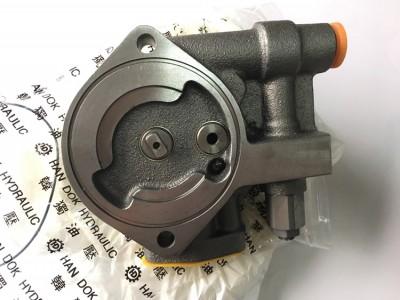 PC200-5 韩独齿轮泵