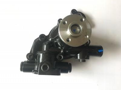洋马3D82 水泵