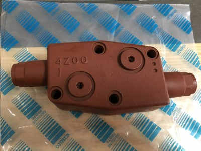 SK200-6 平衡阀