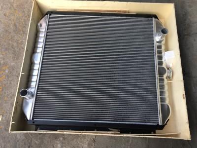 SK200-3 水箱