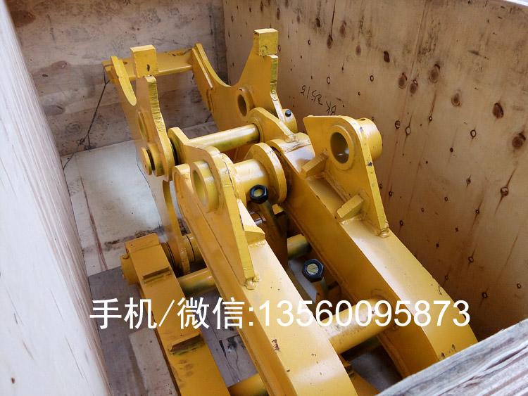 机械式抓木器装箱发往安哥拉